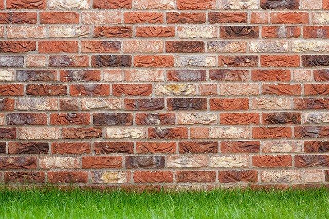 Building A Simple Garden Wall
